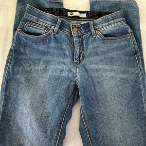 Levi's perfect waist 525..size 6M.. 0077
